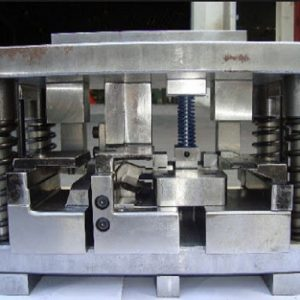 The single punching mold